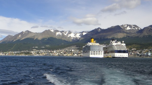 16-Hushuaia et bateaux croisière