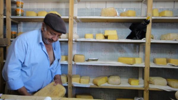 On a juste demandé un fromage bien fait ... il s'est pincé le nez mais pour nous, il a peu de goût ...
