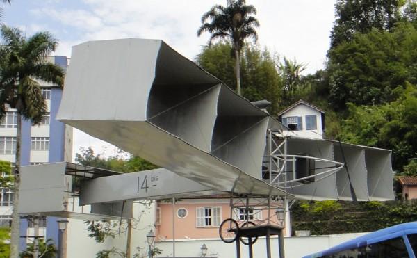 L'avion de Santos Dumont