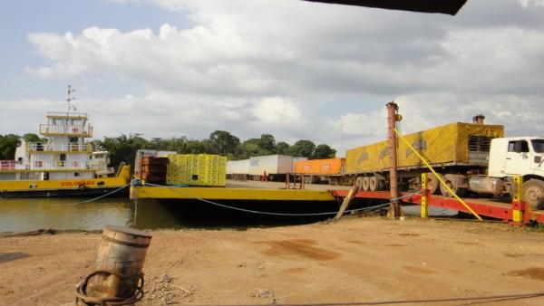 Déchergement d'une barge