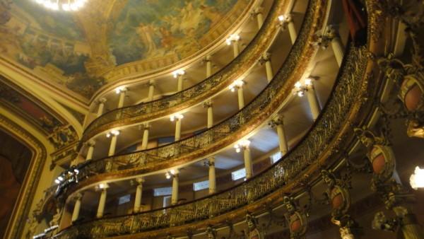 05-intérieur théâtre