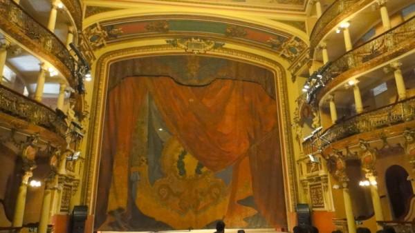 06-le rideau de scène