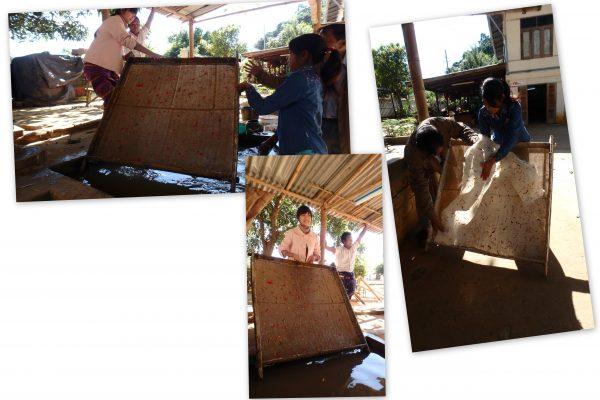 Fabrication du papier : on sort le tamis de l'eau, on l'égoutte et on le laisse au soleil 2 heures ...