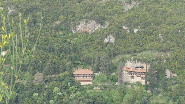 15-monastère semi troglodyte