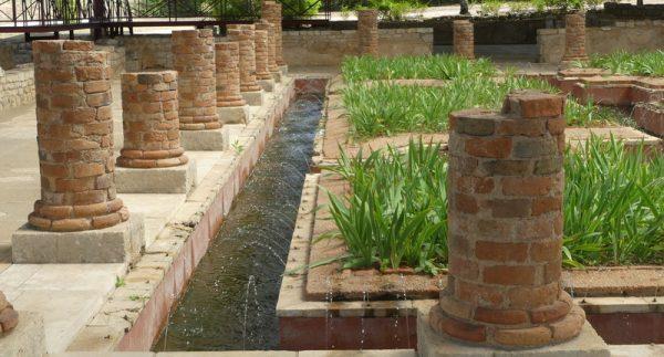 10 le palais des fontaines